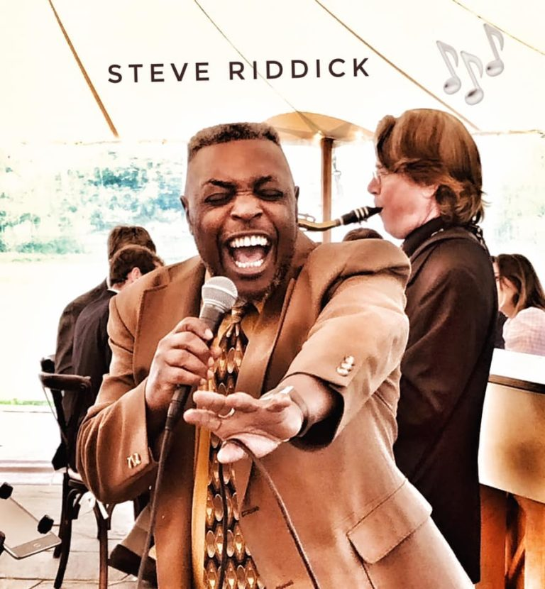 Steve Riddick Singing Martha's Vineyard Wedding